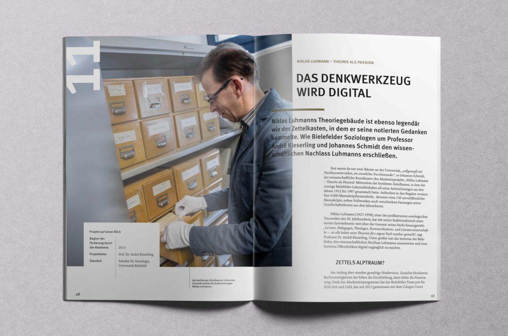 Zu Besuch im Allerheiligsten: Soziologen erforschen den berühmten Zettelkasten Niklas Luhmanns